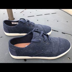 Toms sneakers (new)